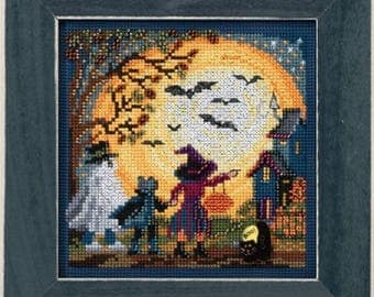 Mill Hill Buttons & Beads Autumn Series, Moonlit Treaters MH14-1724 Halloween Counted Cross Stitch Kit