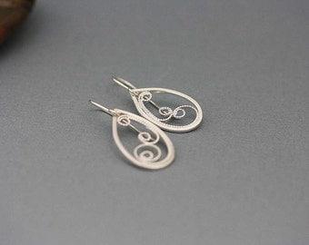 Small Filigree silver drop earrings, filigree earrings, Sterling silver earrings, dangle earings