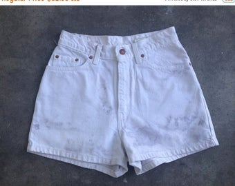35% OFF SPRING SALE The Vintage High Waisted White Levi's Shorts