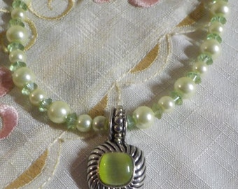 Glass Bead and Faux Pearl Necklace with Matching Clip Earrings - Truly stunning - Vintage