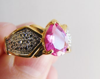 Vintage 925 gold plated cocktail ring with pink tear drop crystal center stone and clear side crystals- size 8