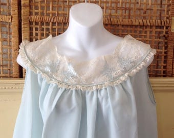 Vintage Barbizon Short Nightgown Baby Blue Crepe Lace Yoke Satin Roses Medium