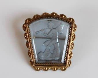 vintage glass etched brooch / 1940s cameo glass brooch / 40s glass angel brooch / brass framed