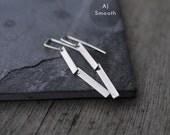 Silver 2 legged articulated earrings