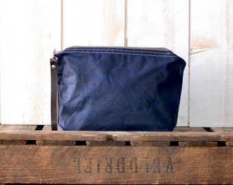 Waxed canvas pouch,utility pouch,cosmetic toiletry bag,travel pouch,navy zipper pouch,christmas gift