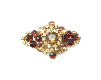 Gorgeous Dazzling Vintage Unmarked Gold Tone Metal Diamond Shaped Green, Yellow, & Amber Rhinestone Brooch