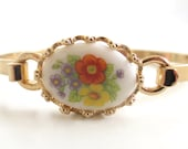 Vintage 70's Avon // Painted French Flowers Bracelet