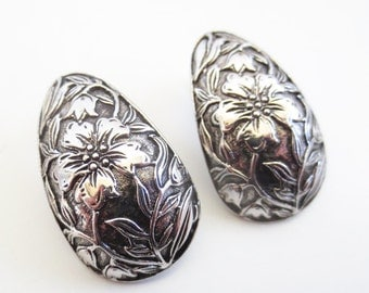 Vintage 80's Avon // Silver Garden Teardrop Clip on Earrings