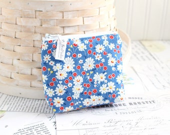 Blue Floral Coin Purse Blue and Red Change Purse Card Holder Zipper Pouch