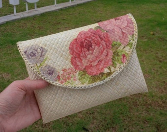 Minimalist chic ethnic clutch, handmade gift for her – Woman small handbag – White with decoupage floral pattern – Hand woven purse