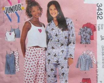 McCalls 3432/Uncut Sewing Pattern/Girls Pajamas, Nightgown, Camisole/Size 3/4  - 9/10- 2001