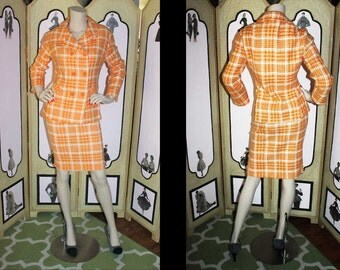 vintage 1960's Orange and White Houndstooth Skirt Suit. Medium to Large.
