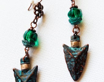 Boho Turquoise Arrow Earrings, Tribal Arrowhead Earrings, Rustic Green crystal and Metal Earrings, Long southwestern copper Earrings,