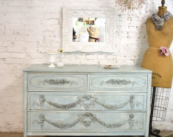 Painted Cottage Chic Shabby French Dresser/ Chest DR889