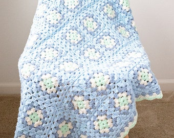 Gorgeous Blue Blanket with Granny Squares