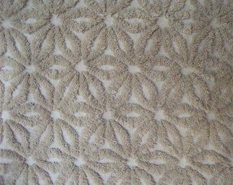 "Fluffy Sandstone Beige Hofmann Daisy Vintage Chenille Bedspread Fabric 26"" x 20"""