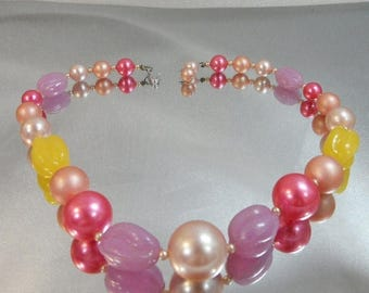 ON SALE Vintage Pink Purple Yellow Beaded Necklace. Pink Lavender Yellow Blush Pearl. Pastels. Japan.