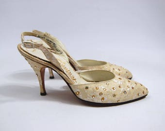Late 1950s Ivory Brocade Rhinestone studded Pumps - 3.5 inch heel Sling Back / Pointy Toe  Fontana of Rome / Size 6AAA / 6 narrow