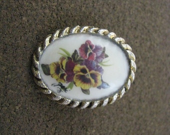 Vintage hand painted floral pansy pin brooch pendant in lovely oval setting