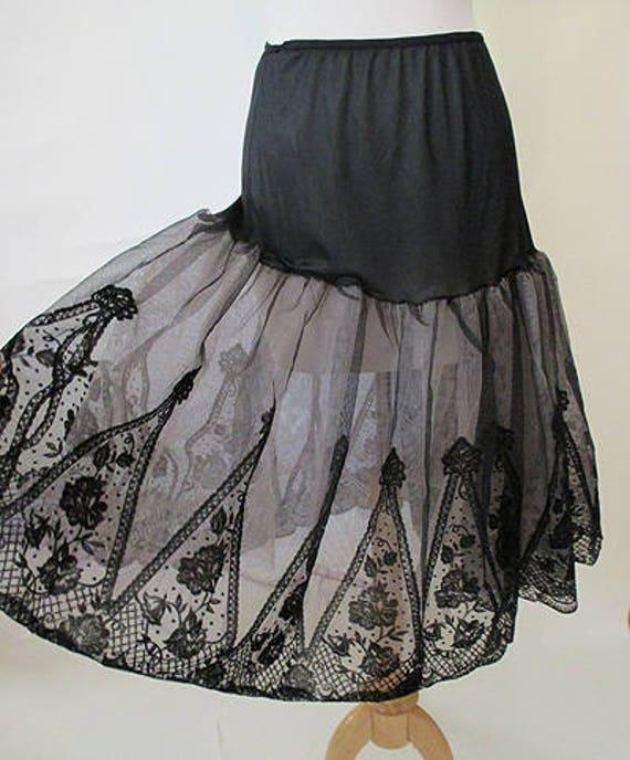 Lovely 1950's Lacy Black & Pink Crinoline / Skirt /Slip Pinup Girl Rockabilly Vintage Lingerie Chic Size medium