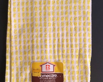 Vtg Kitchen Hand Towel  -  Yellow and White - Unused