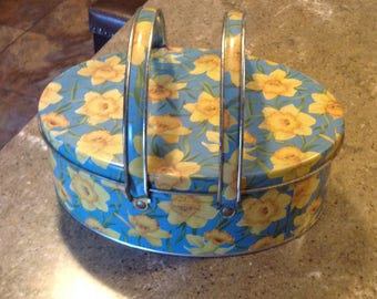 Vintage Yellow Daffodil Flower Biscuit Cookie Sewing Tin with Handles