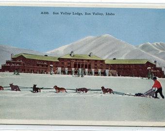 Sun Valley Lodge Dog Sled Team Snow Sun Valley Idaho 1939 postcard