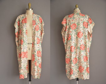antique 1920s silk robe. 20s red rose print. art deco silk robe