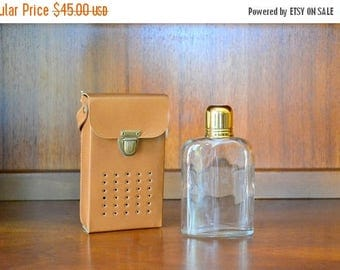 SALE 30% OFF vintage transistor radio hidden flask / vintage barware / entertaining / drinkware / whiskey