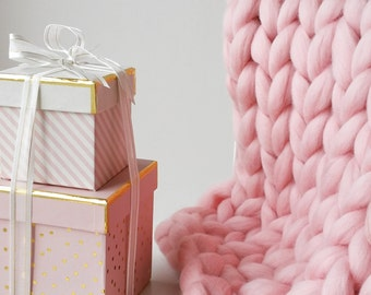 Candy Floss Pink Chunky Knit Blanket Giant Throw Bed Runner UK seller