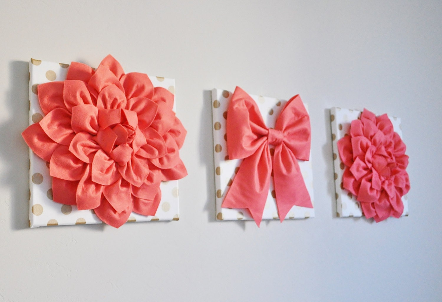 Vintage Inspired Flowers And Bow Art Banner Set Gold Polka
