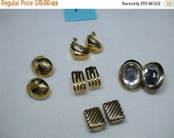 SALE 50% OFF Vintage Lot of Gold Tone Clip  Earrings    5 pairs   lot 1