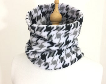 Fleece Neck Warmer - Black and Gray Houndstooth Scarf  -  Cowl Scarf  -  Neck Gaiter - Gaiters - Neckwarmers - Winter Scarves - Gift Ideas