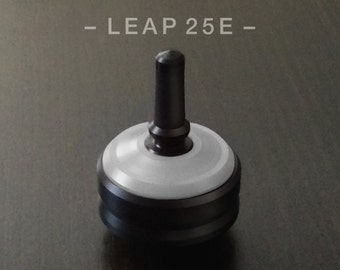 "LEAP 25E White – Precision spin top with ceramic tip and rubber grip for improved control – 1"" desk and pocket top"