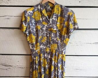 Vintage 1940s rayon floral novelty print dress • 40s dress