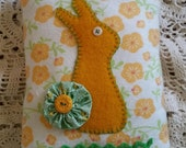 Prim Woolen Bunny with YoYo Easter Pillow ~OFG
