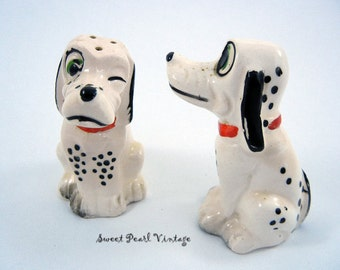Dalmation salt and pepper shakers Made in Japan Winking Cold Paint Hound dogs with corks good condition