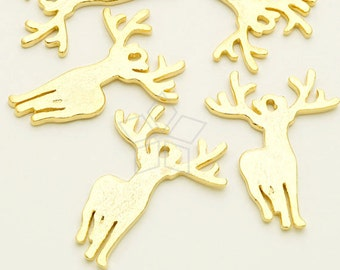 PD-1754-GD / 2 Pcs - Reindeer Pendant, Giant Deer Pendant. Big Horn Deer Charm, Gold Plated over Brass / 21mm x 28mm