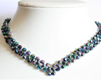 Vintage carnival glass bead necklace. Blue bead necklace.  Short necklace. Vintage jewellery