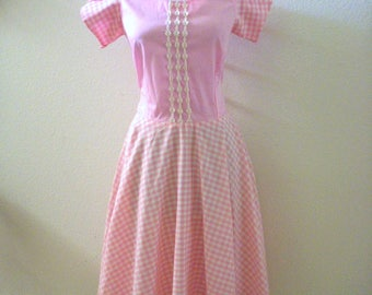 Vintage Pink Gingham Square Dance Dress - Pink and White Gingham Bias Circle Skirt Dress - Pastel Pink Day Dress - Size Medium estimated