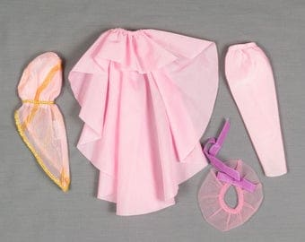 Barbie fashion clothes 4 pieces, 1 outfit, Pink floor length skirt One shoulder strap dress, Hat and long matching cape
