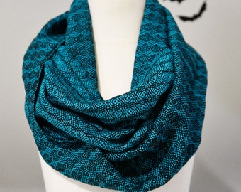 MADE TO ORDER - Handwoven Cotton Loop Scarf - Peacock Design