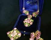 Beautiful late 1940s filligree and painted metal flower necklace brooch and clip earrings set lilac and rose rhinestones