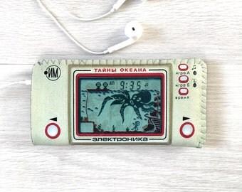 iPhone 7 Case, iPhone 6/6S Case, iPhone 5/5S/5C Case, iPhone SE Case - Vintage Russian Electronica Game Console - Soft Felt iPhone 7 Case