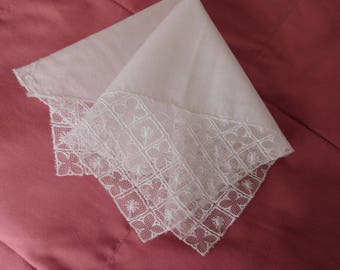 Vintage White Lace Wedding Hankie, Wedding Handkerchief, Bridal Hankie