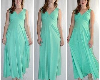 Vintage 1970s Mint Green Knit Maxi Dress Formal Sz S/M