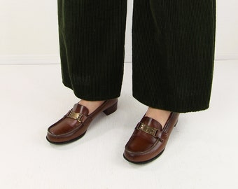 VINTAGE 1970s Loafers Heels Brown Leather Size 8