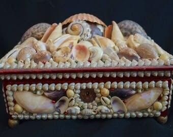 Victorian Shell Art Box. Exquisite Antique Sea Shell Jewelry Box 1800s. Large Sea Shell Folk Art Box. Antique Sailor's Valentine Shell Box