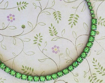 Vintage Weiss Necklace ... Mint Green Color Rhinestones