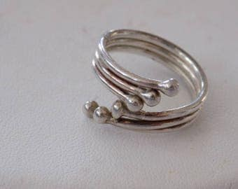 Vintage ring,size 8 ring, sterling silver bypass ring, triple band ring, statement ring, vintage jewelry